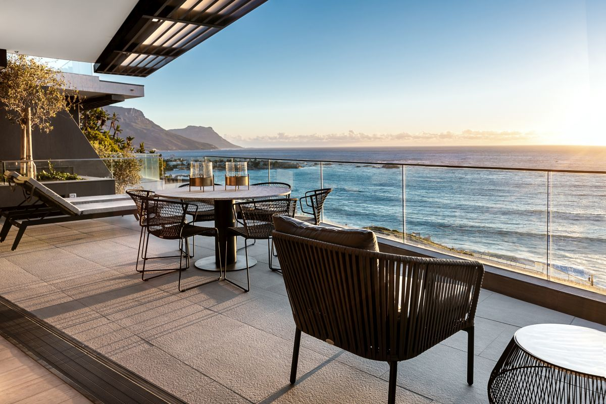 1562678946 579 living by the ocean a gorgeous apartment in cape town - Living By The Ocean – A Gorgeous Apartment In Cape Town