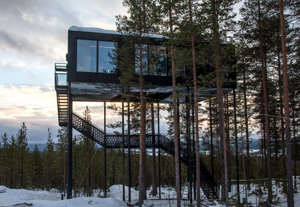 1562757768 161 15 amazing homes with nets instead of floors - 15 Amazing Homes With Nets Instead Of Floors