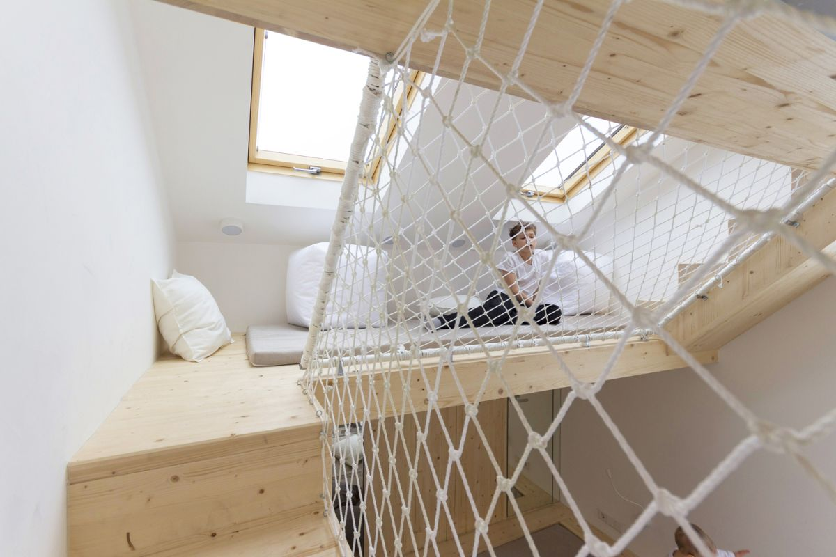 1562757768 385 15 amazing homes with nets instead of floors - 15 Amazing Homes With Nets Instead Of Floors