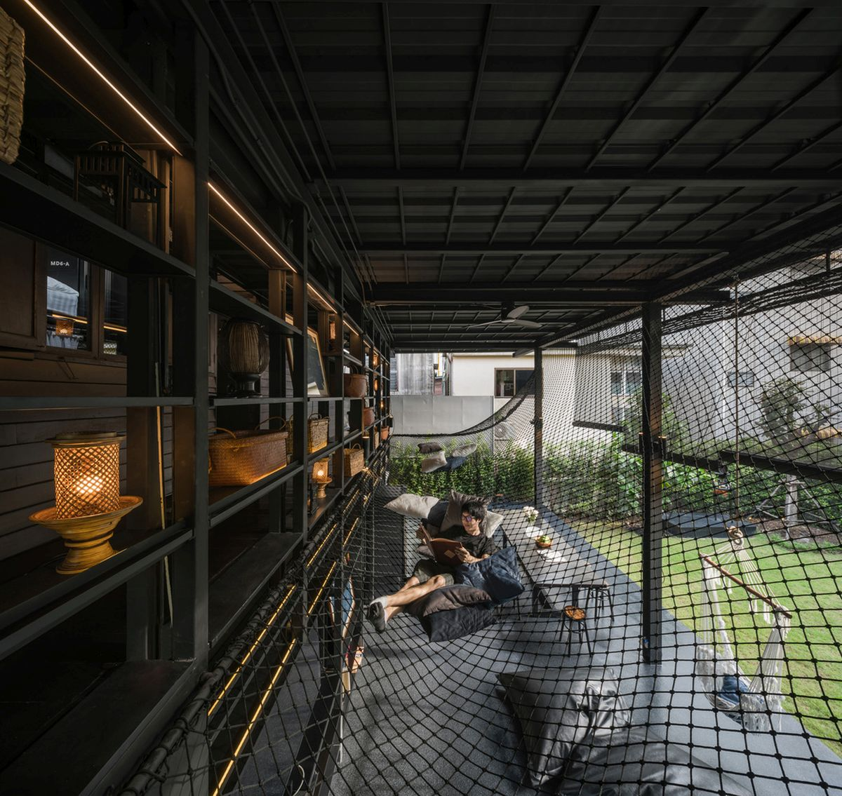 1562757768 671 15 amazing homes with nets instead of floors - 15 Amazing Homes With Nets Instead Of Floors
