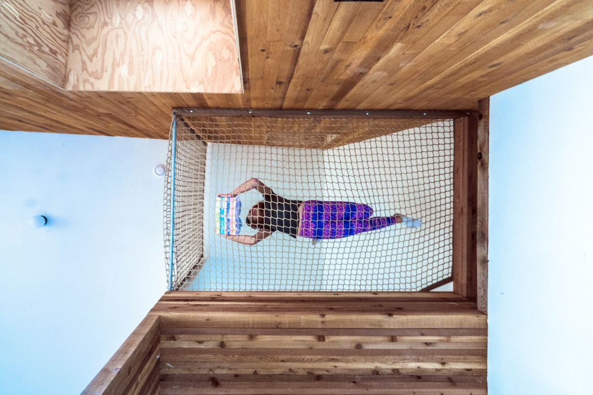 1562757768 821 15 amazing homes with nets instead of floors - 15 Amazing Homes With Nets Instead Of Floors