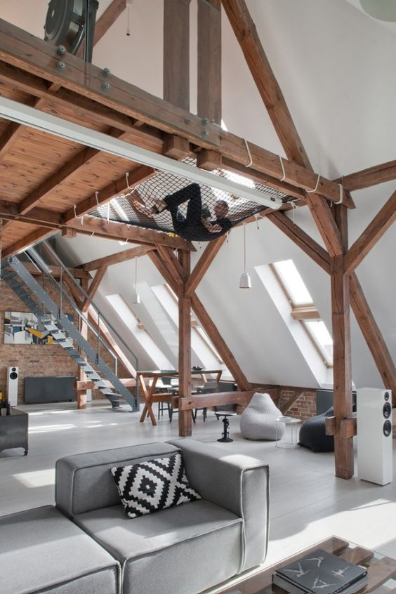 1562757768 955 15 amazing homes with nets instead of floors - 15 Amazing Homes With Nets Instead Of Floors