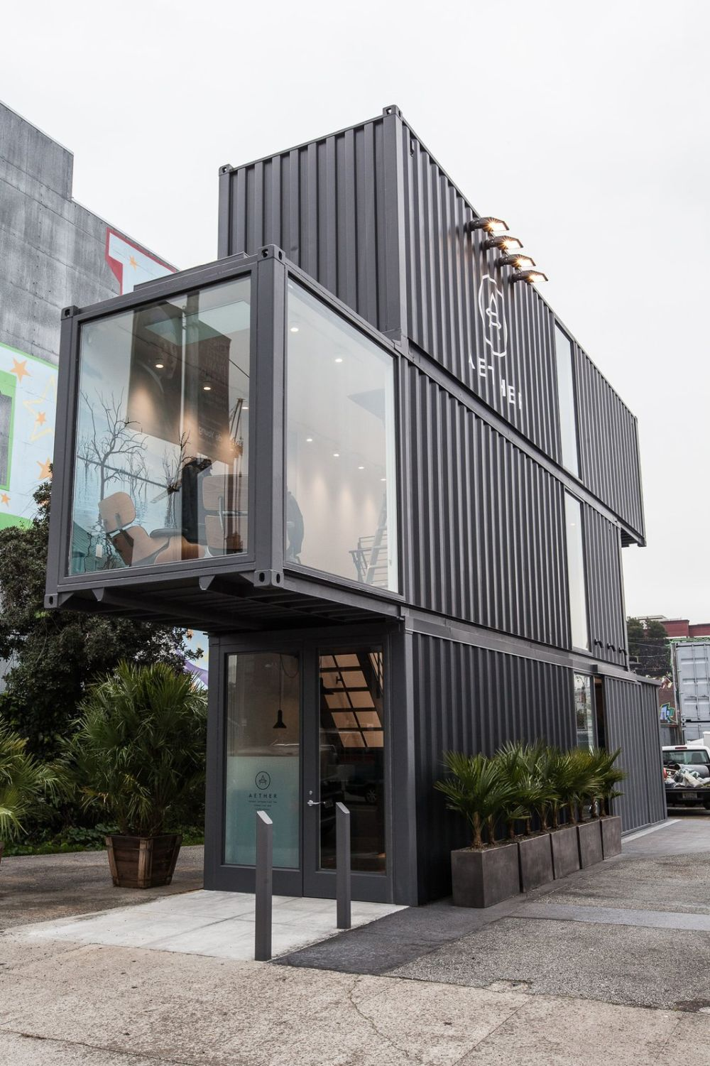 1562918670 350 3 amazing retail stores build out of reclaimed shipping containers - 3 Amazing Retail Stores Build Out Of Reclaimed Shipping Containers