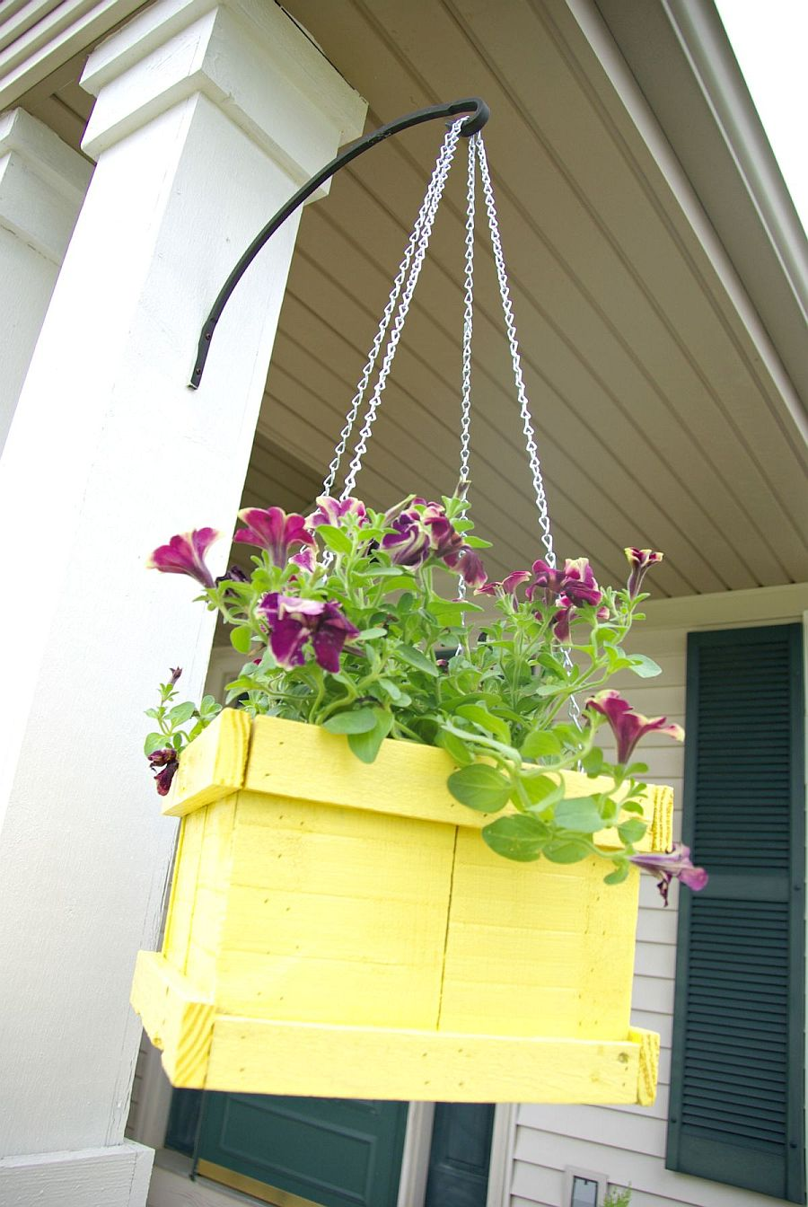 1563290188 352 27 diy flower box planters for fancy windows and beyond - 27 DIY Flower Box Planters for Fancy Windows and Beyond
