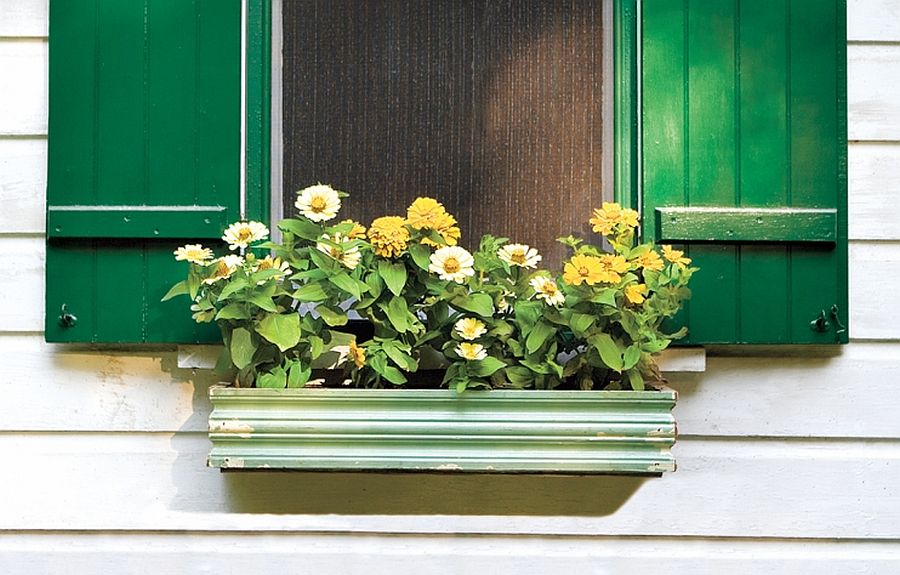 1563290188 718 27 diy flower box planters for fancy windows and beyond - 27 DIY Flower Box Planters for Fancy Windows and Beyond