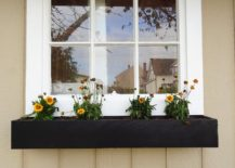 1563290188 859 27 diy flower box planters for fancy windows and beyond - 27 DIY Flower Box Planters for Fancy Windows and Beyond