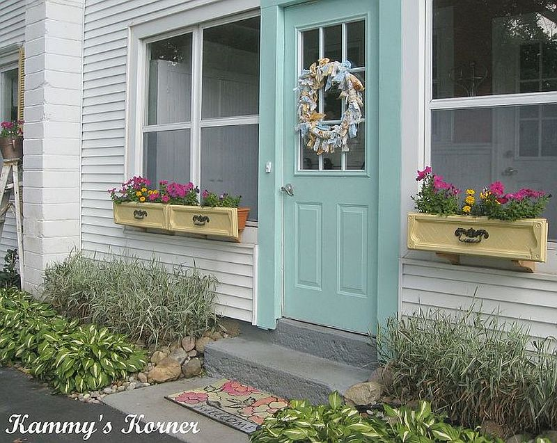 1563290188 966 27 diy flower box planters for fancy windows and beyond - 27 DIY Flower Box Planters for Fancy Windows and Beyond