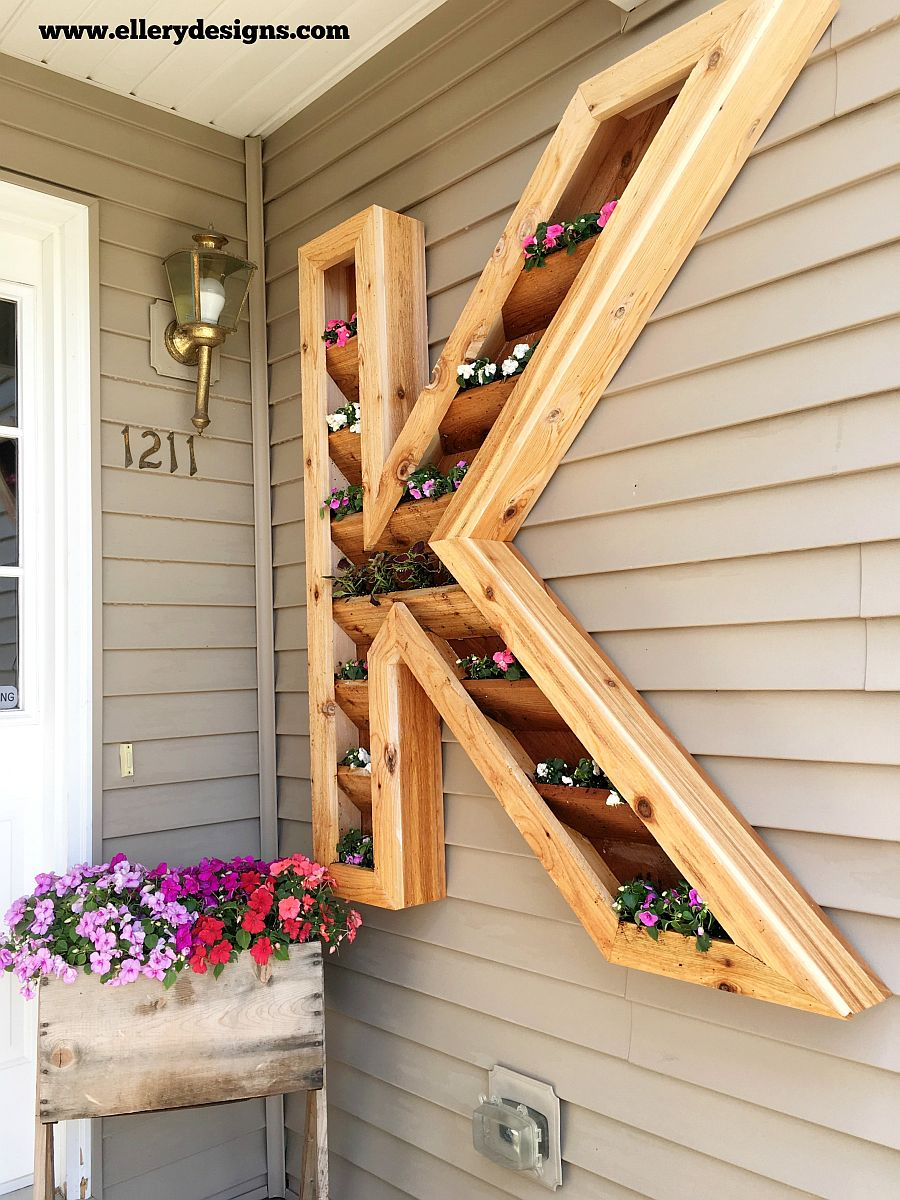 1563290189 424 27 diy flower box planters for fancy windows and beyond - 27 DIY Flower Box Planters for Fancy Windows and Beyond