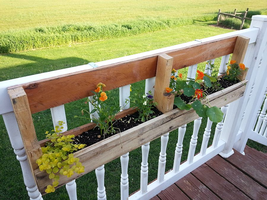 1563290189 673 27 diy flower box planters for fancy windows and beyond - 27 DIY Flower Box Planters for Fancy Windows and Beyond