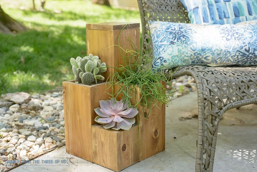 1563290189 893 27 diy flower box planters for fancy windows and beyond - 27 DIY Flower Box Planters for Fancy Windows and Beyond