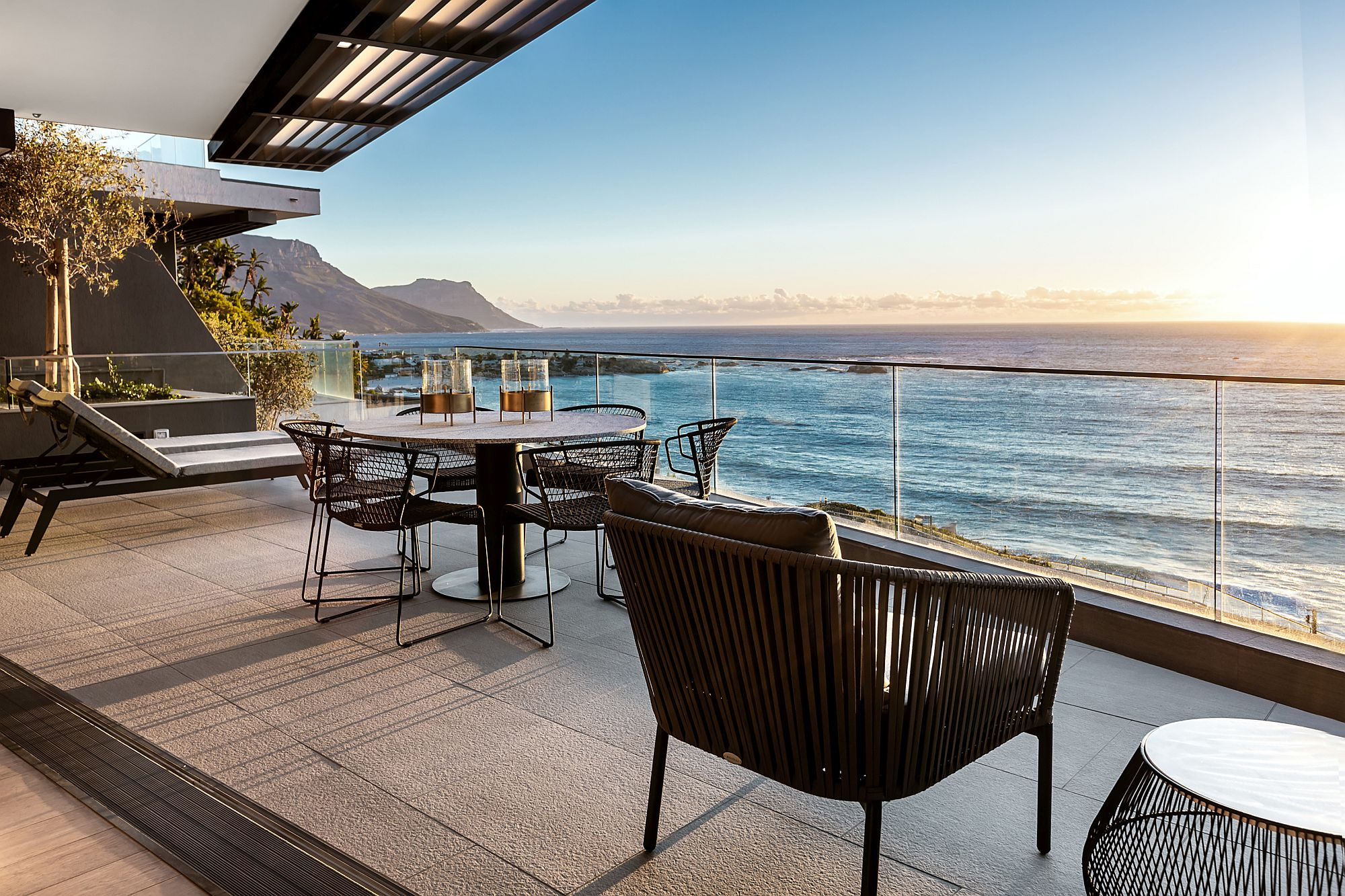1563443577 808 quiet sophistication draped in the best of cape town stunning clifton 301 by okha - Quiet Sophistication Draped in the Best of Cape Town: Stunning Clifton 301 by OKHA