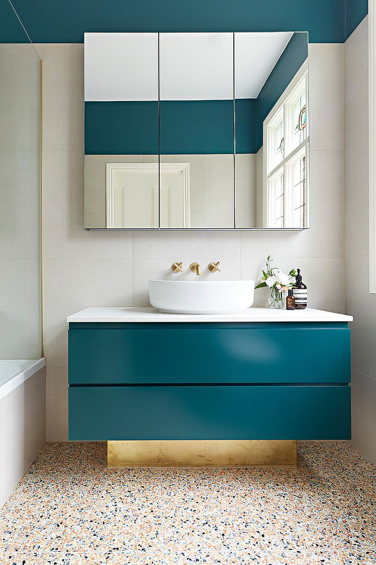 1563478668 319 25 cool bathroom color trends for summer and beyond - 25 Cool Bathroom Color Trends for Summer and Beyond