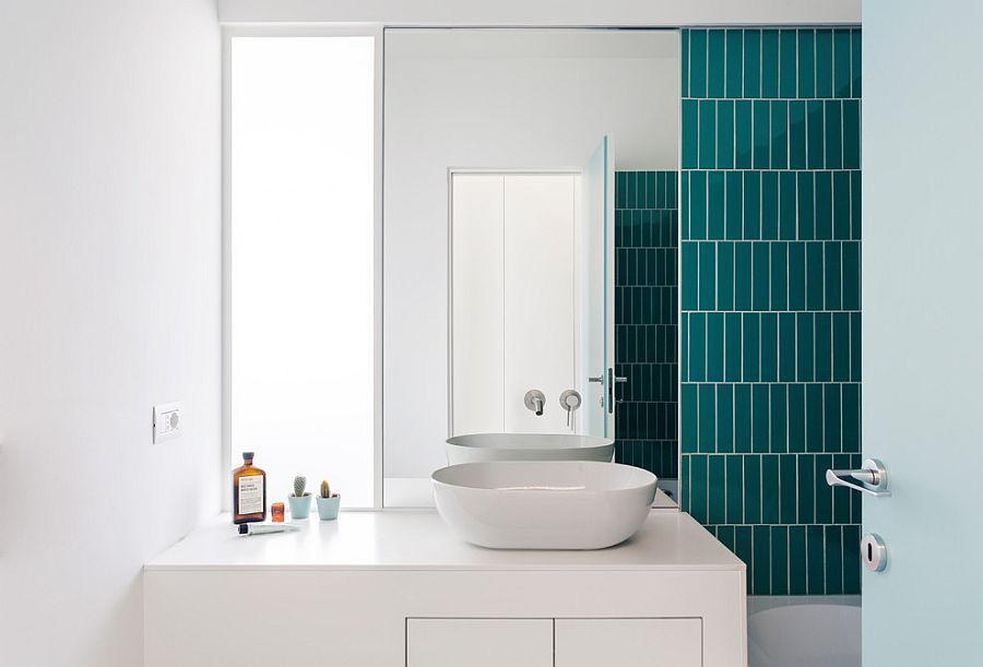 1563478668 543 25 cool bathroom color trends for summer and beyond - 25 Cool Bathroom Color Trends for Summer and Beyond