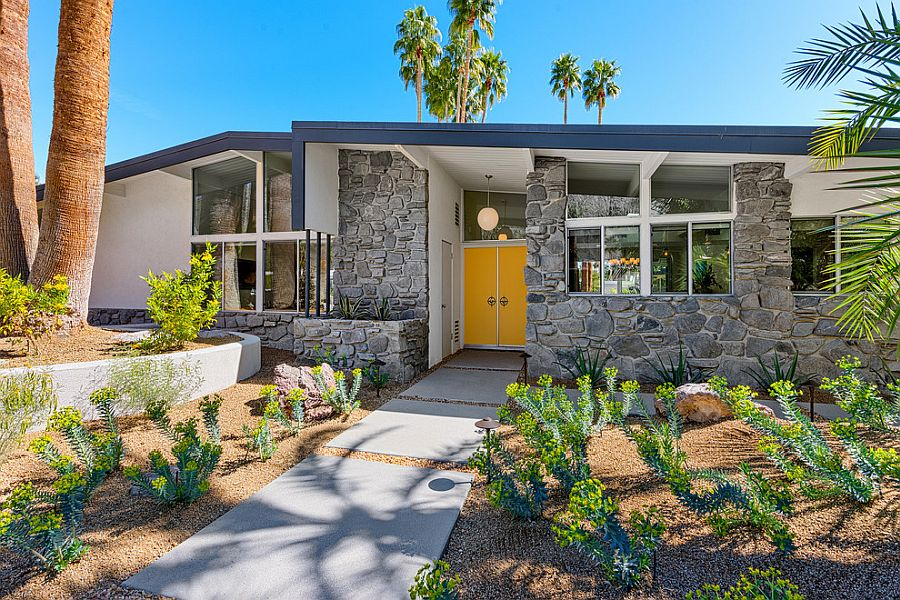 1563981778 10 right first impressions 30 trendy front doors to enliven the entry - Right First Impressions: 30 Trendy Front Doors to Enliven the Entry