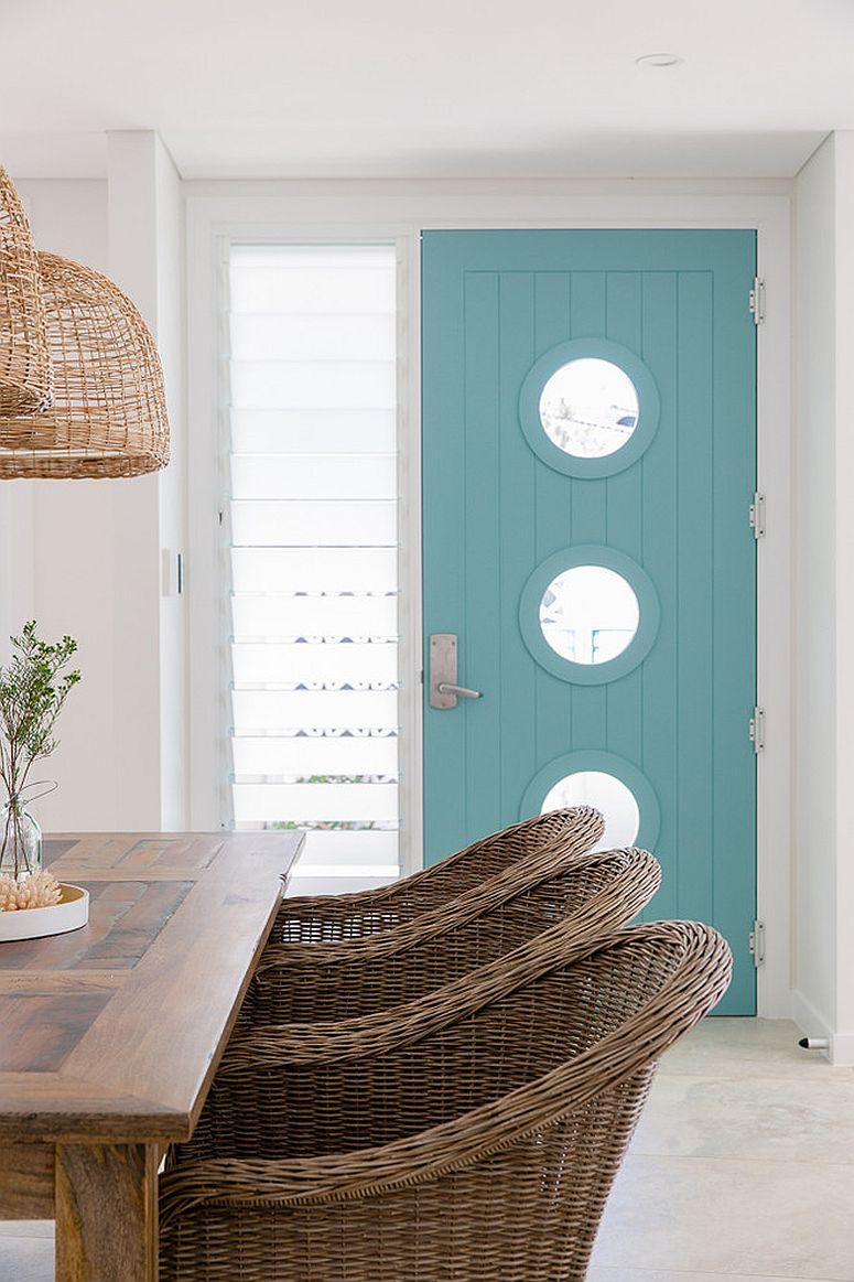 1563981779 47 right first impressions 30 trendy front doors to enliven the entry - Right First Impressions: 30 Trendy Front Doors to Enliven the Entry