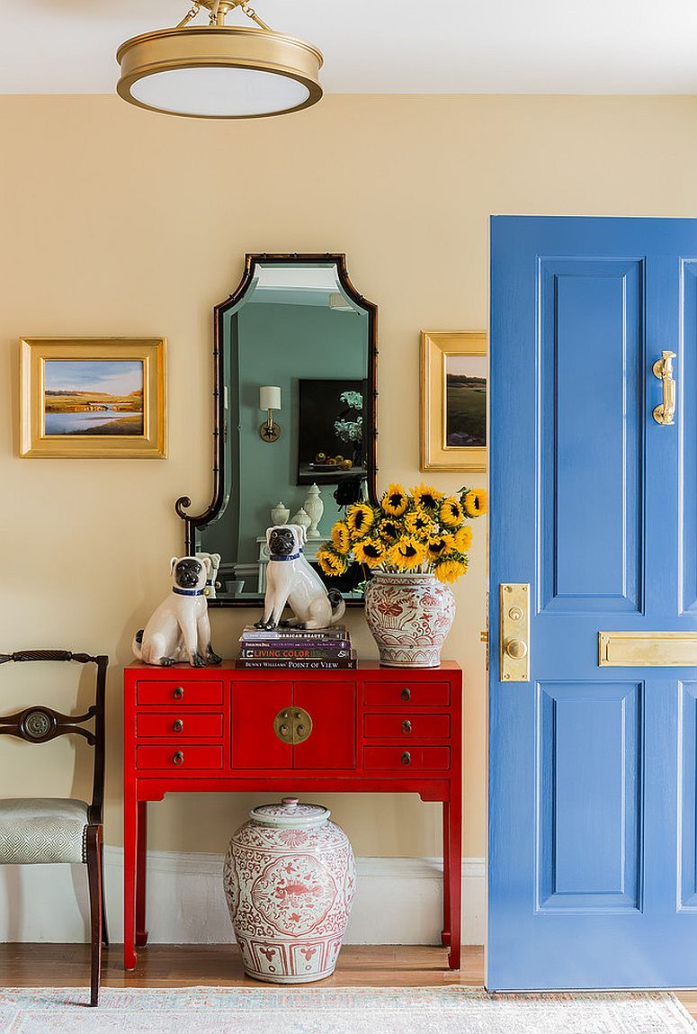 1563981779 913 right first impressions 30 trendy front doors to enliven the entry - Right First Impressions: 30 Trendy Front Doors to Enliven the Entry