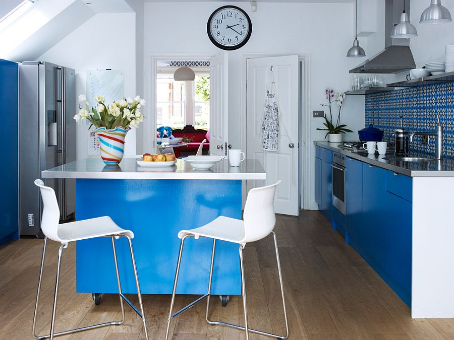 1564167087 346 75 small kitchen solutions to make them brighter and space savvy - 75 Small Kitchen Solutions to Make Them Brighter and Space-Savvy