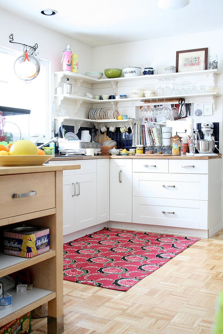 1564167088 358 75 small kitchen solutions to make them brighter and space savvy - 75 Small Kitchen Solutions to Make Them Brighter and Space-Savvy