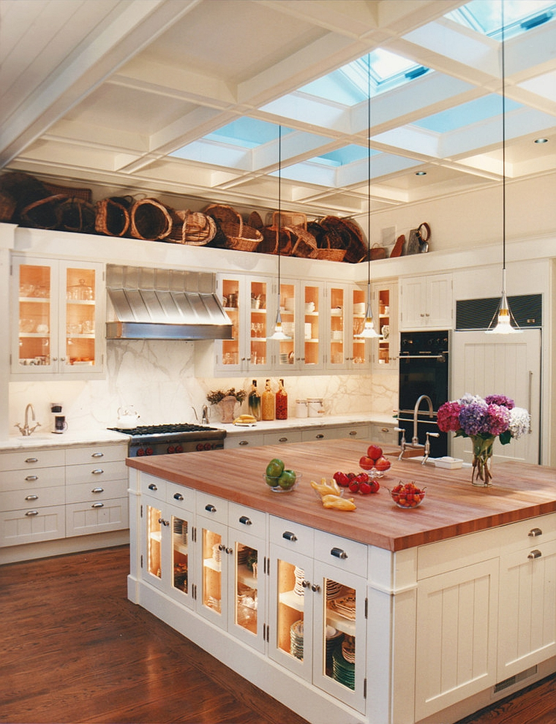 1564167088 916 75 small kitchen solutions to make them brighter and space savvy - 75 Small Kitchen Solutions to Make Them Brighter and Space-Savvy
