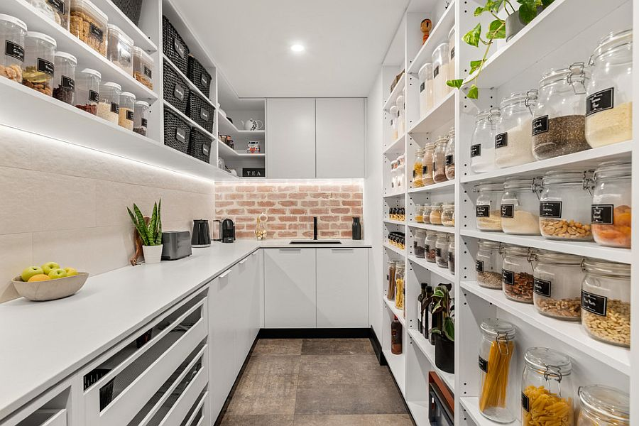 1564167090 69 75 small kitchen solutions to make them brighter and space savvy - 75 Small Kitchen Solutions to Make Them Brighter and Space-Savvy