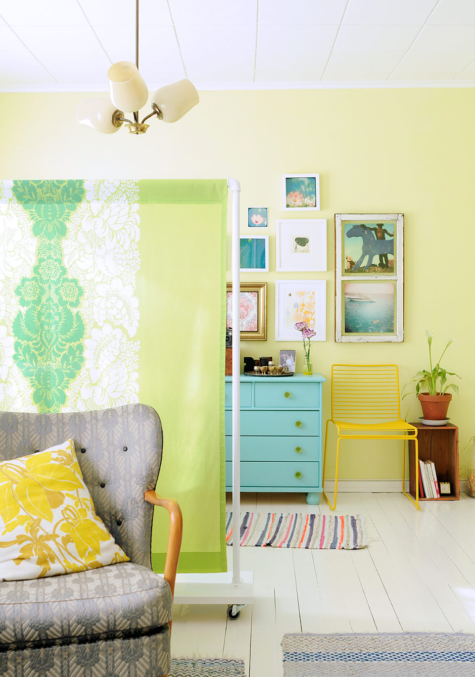 1564566419 614 diy room divider ideas that let you reinvent your home - DIY Room Divider Ideas That Let You Reinvent Your Home
