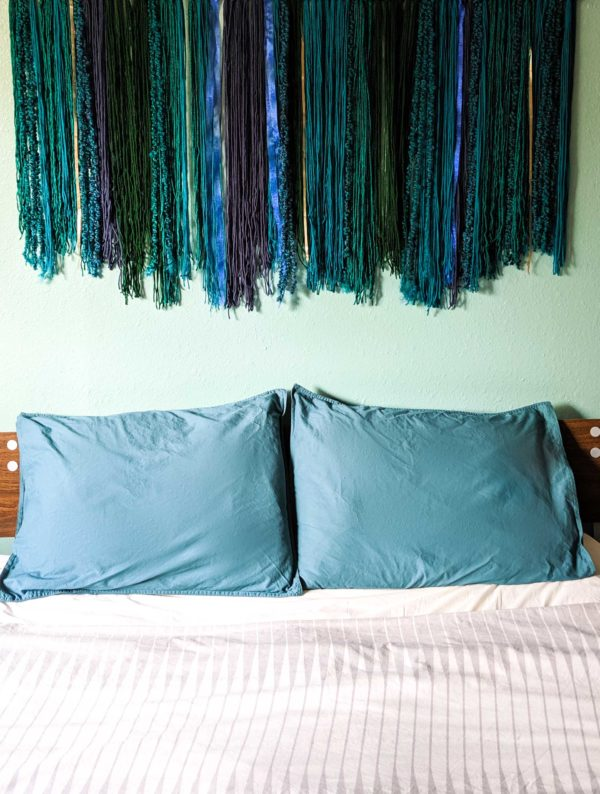 Easy wall hanging DIY project 600x794 - An Easy Wall Hanging with Modern Style