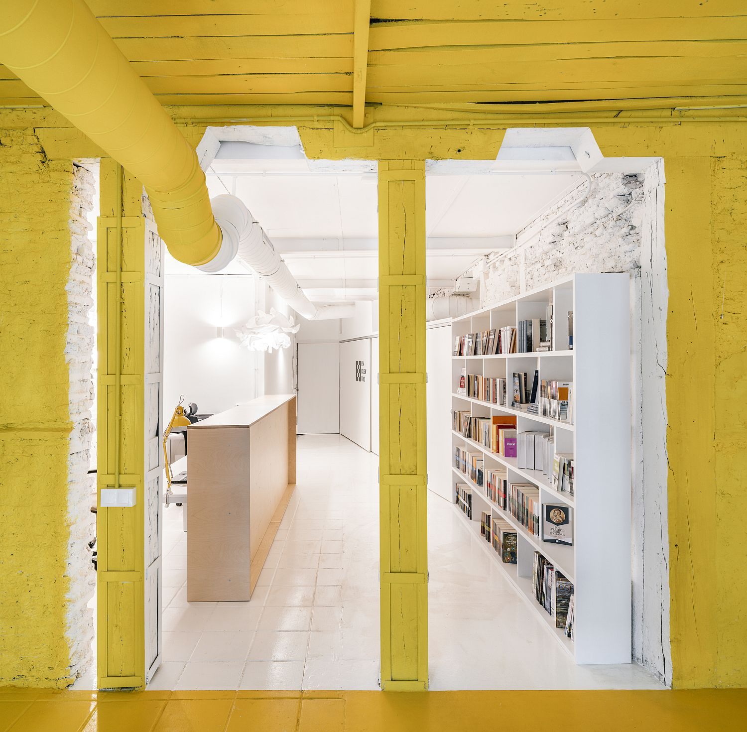 amazing use of yellow for office interior meeting space in madrid - Amazing Use of Yellow for Office Interior: Meeting Space in Madrid