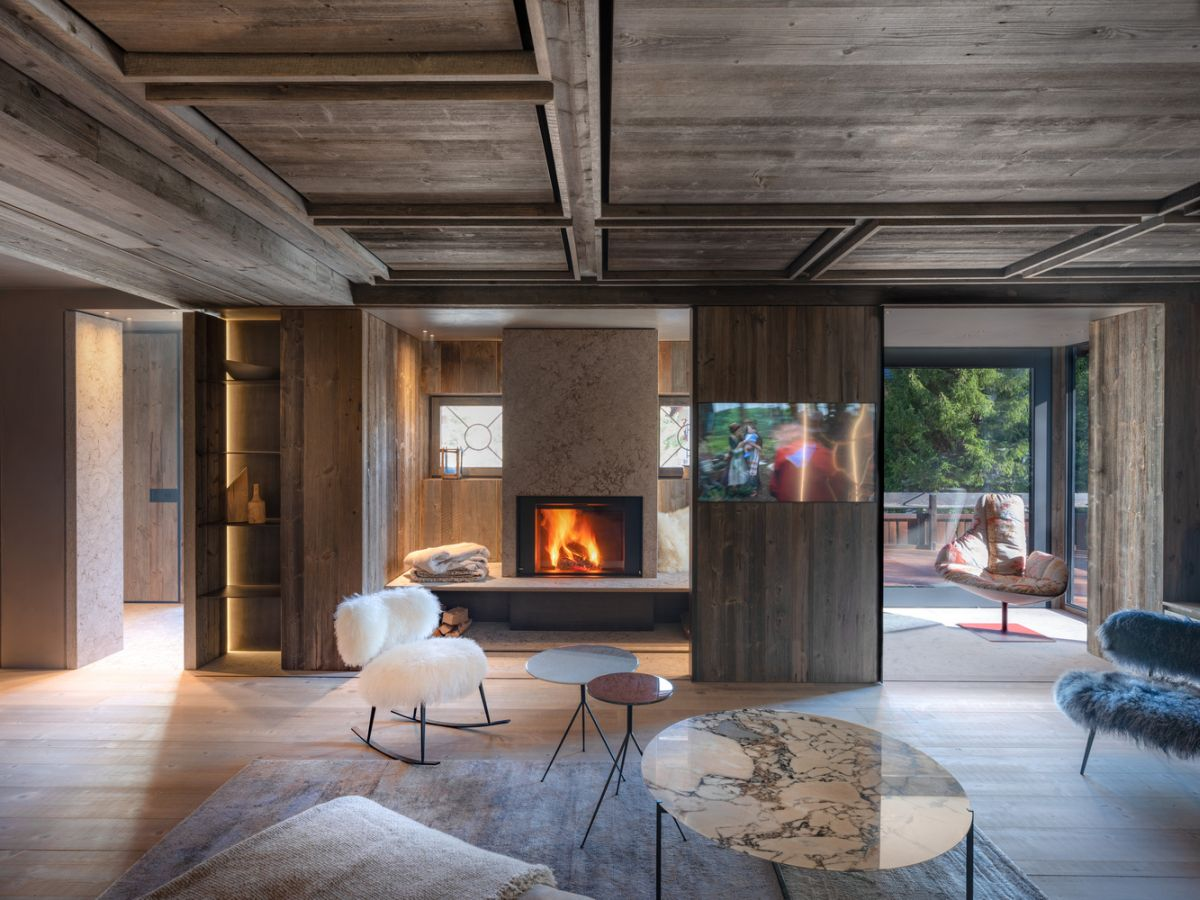 charming house is italy infused with a century old reclaimed wood - Charming House Is Italy Infused With A Century Old Reclaimed Wood