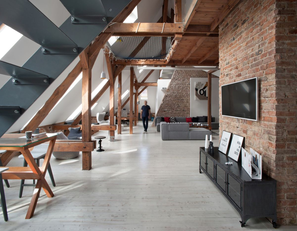 eclectic attic apartment uncovers all its beautiful features - Eclectic Attic Apartment Uncovers All Its Beautiful Features