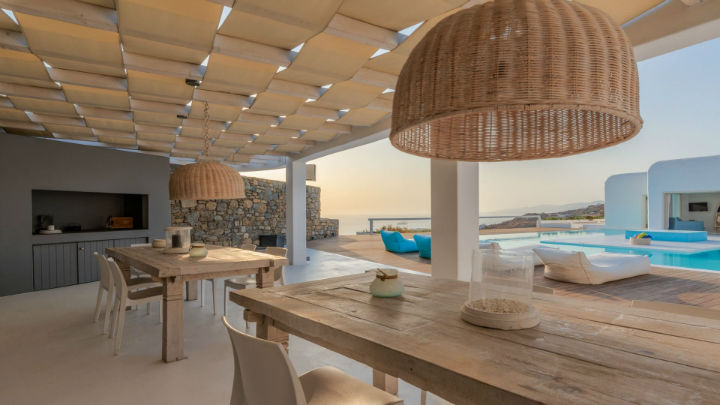 1564756055 581 the island of the winds beckons an unforgettable sojourn awaits you on mykonos with kinglike concierge - The Island of the Winds Beckons: An Unforgettable Sojourn Awaits You On Mykonos With Kinglike Concierge