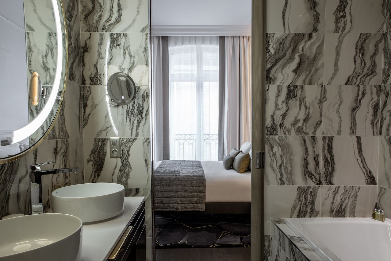 1565006610 178 luxurious paris hotel pays homage to history in a luxurious way - Luxurious Paris Hotel Pays Homage to History In a Luxurious Way