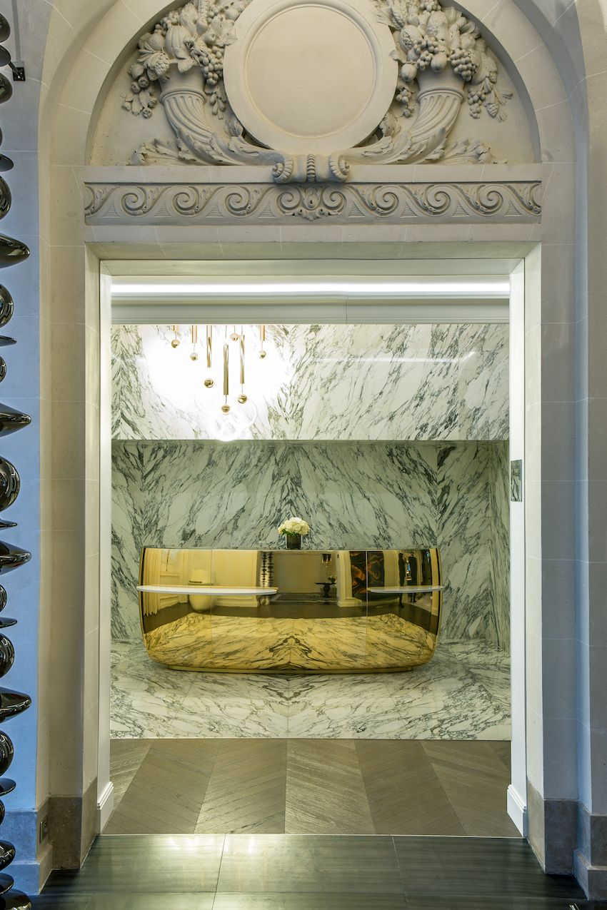1565006610 599 luxurious paris hotel pays homage to history in a luxurious way - Luxurious Paris Hotel Pays Homage to History In a Luxurious Way
