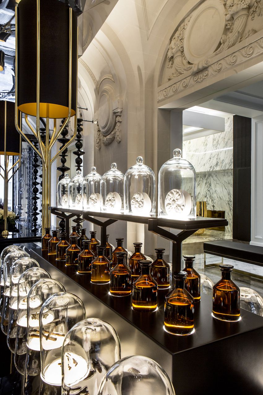 1565006610 717 luxurious paris hotel pays homage to history in a luxurious way - Luxurious Paris Hotel Pays Homage to History In a Luxurious Way
