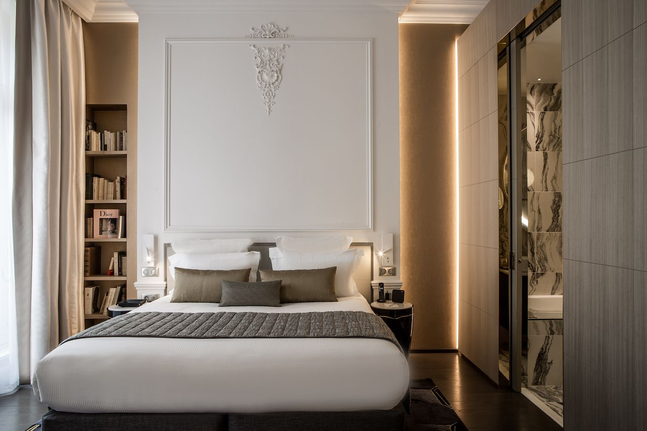 1565006610 798 luxurious paris hotel pays homage to history in a luxurious way - Luxurious Paris Hotel Pays Homage to History In a Luxurious Way