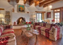 1565163361 414 spectacular and cozy living rooms with ceiling beams 25 trendy ideas inspirations - Spectacular and Cozy Living Rooms with Ceiling Beams: 25 Trendy Ideas, Inspirations
