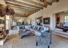 1565163361 874 spectacular and cozy living rooms with ceiling beams 25 trendy ideas inspirations - Spectacular and Cozy Living Rooms with Ceiling Beams: 25 Trendy Ideas, Inspirations