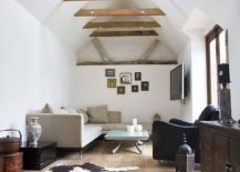 1565163361 904 spectacular and cozy living rooms with ceiling beams 25 trendy ideas inspirations - Spectacular and Cozy Living Rooms with Ceiling Beams: 25 Trendy Ideas, Inspirations