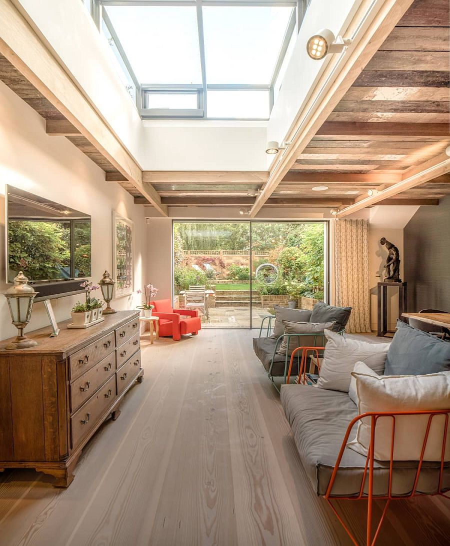 1565163362 861 spectacular and cozy living rooms with ceiling beams 25 trendy ideas inspirations - Spectacular and Cozy Living Rooms with Ceiling Beams: 25 Trendy Ideas, Inspirations