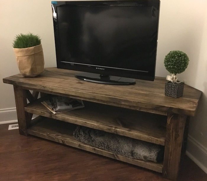 1565261388 273 farmhouse tv stand ideas with extra charming designs - Farmhouse TV Stand Ideas With Extra Charming Designs