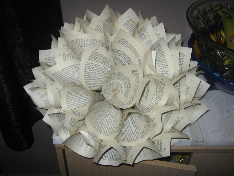1565617262 799 diy paper flowers and how to decorate your home with them - DIY Paper Flowers and How To Decorate Your Home With Them
