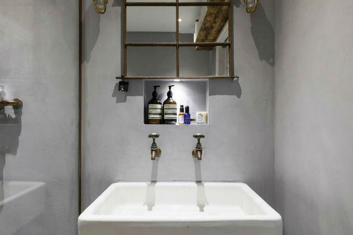 London Warehouse turned into industrial home 11