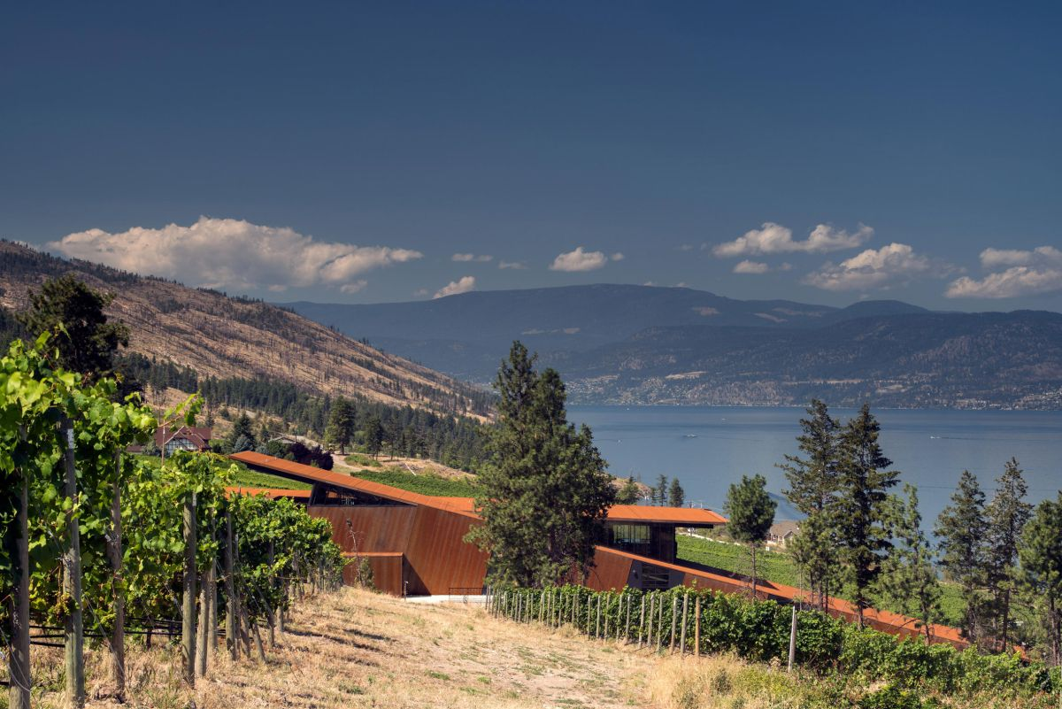 1567764519 915 the unique bond between wine and architecture amazing winery designs - The Unique Bond Between Wine And Architecture – Amazing Winery Designs