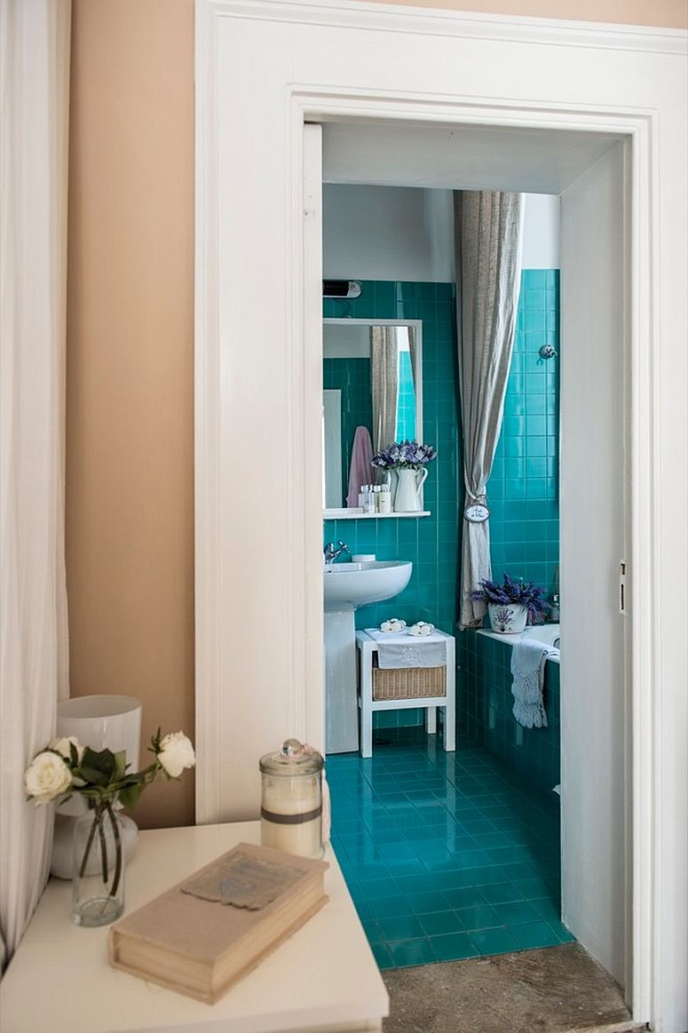 1567801493 187 3 styles to give the tiny powder room a spacious look 30 fab ideas - 3 Styles to Give the Tiny Powder Room a Spacious Look: 30 Fab Ideas