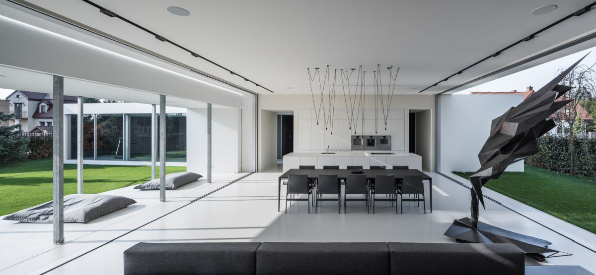 The Quadrant house is minimalist inside and out and looks bright, airy and stylish from every angle