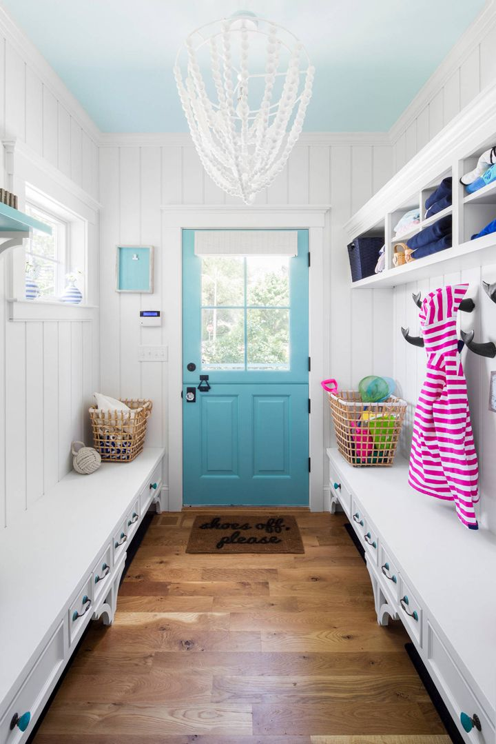 1568121740 635 25 inspiring mudroom ideas for every home and style - 25 Inspiring Mudroom Ideas For Every Home And Style