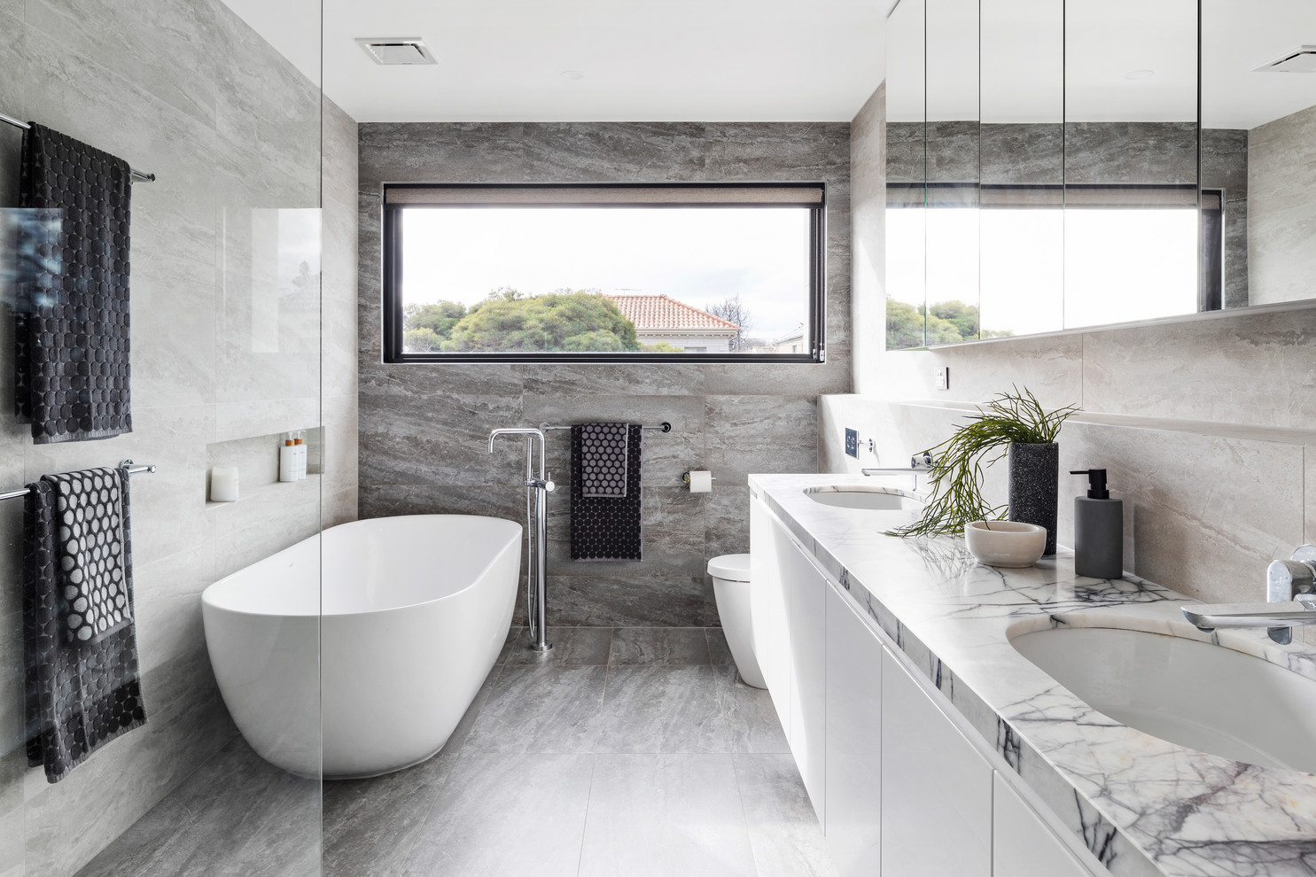 1568143293 675 25 fabulous bathrooms color trends for fall to try out - 25 Fabulous Bathrooms Color Trends for Fall to Try Out