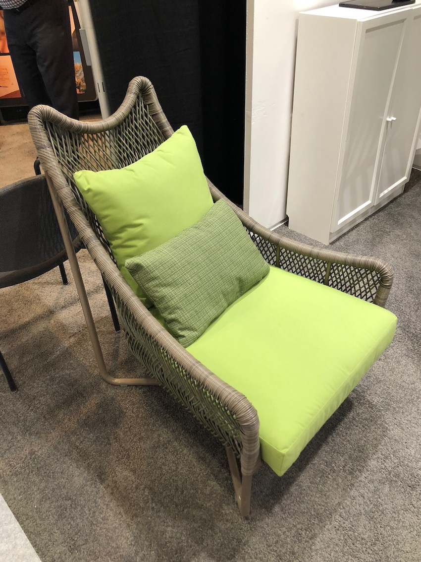 1568385629 660 make life at home more refreshing and tranquil with yellow green hues - Make Life at Home More Refreshing and Tranquil With Yellow-Green Hues