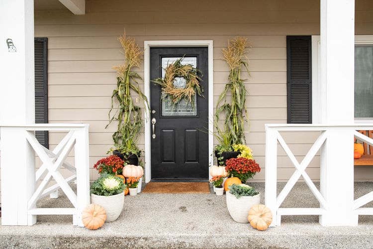 1568903987 161 15 modern fall wreath ideas with a cozy vibe - 15 Modern Fall Wreath Ideas With a Cozy Vibe