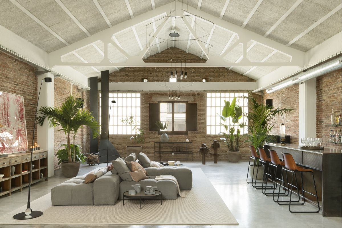 Vegetation plays an important role in the overall interior design of the loft