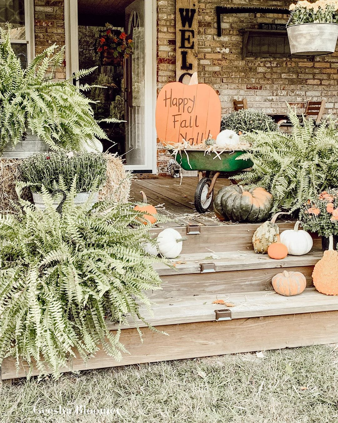 1569404385 238 front porch decor ideas to welcome fall with - Front Porch Decor Ideas To Welcome Fall With